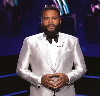 Anthony Anderson host of the 52nd annual NAACP Image Awards