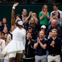 Tennis- Wimbledon ends in tears for injured Serena as she is cheered on by the crowd